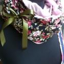 Rózsás körsál - feketében, Ruha, divat, cipő, Kendő, sál, sapka, kesztyű, Varrás, 130*34 cm-es fekete alapon rózsás körsálat készítettem, mely belül puha fényes jersey.  Oldalán sza..., Meska