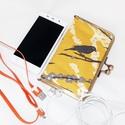 OkosTok - nagyméretű okostelefonoknak - sárga madárka, Táska, Pénztárca, tok, tárca, Mobiltok, Varrás, Amerikai designer textilből készült fémkeretes telefontartó, nagyméretű okostelefonoknak. A telefon..., Meska