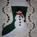 Karácsonyi zokni (hóemberes), Karácsonyi, adventi apróságok, Ajándékzsák, Karácsonyi dekoráció, Varrás, Filc anyagból, varrással készült karácsonyi zokni hóember motívummal. Jól mutat kandallóra akasztva..., Meska