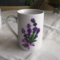 Levendulás bögre 3D, Konyhafelszerelés, Bögre, csésze, Gyurma, Kerámia bögrére készítettem ezt a levendulás mintát süthető gyurmából. A virág mintája kidomborodik..., Meska