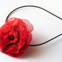 Hajpánt piros rózsával, Ékszer, óra, Hajbavaló, Hajpánt, Ékszerkészítés, Virágkötés, Piros fekete virág,fekete hajpánt alapon. A virág levehető. Biztostű segítségével kitűzőként is has..., Meska