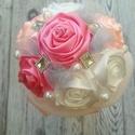 """Mini csokor Rózsa, textilvirág, Esküvő, Esküvői csokor, Ékszerkészítés, Virágkötés, Szatén virágok alkotta csokor rózsakvarc, pink és fehér színekkel. Alul """"habos"""" anyaggal. Kislányok..., Meska"""