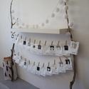 CUCC Adventi naptár, Karácsonyi, adventi apróságok, Dekoráció, Otthon, lakberendezés, Adventi naptár, Fotó, grafika, rajz, illusztráció, A csomag tartalma: 24 db fehér papírzacskó 24 db egyedi, számos matrica 24 db facsipesz 4,5 m feket..., Meska