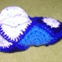 Horgolt mamusz (kék), Ruha, divat, cipő, Cipő, papucs, Horgolás, Horgolt mamusz, a hidegláb-érzés ellen. A talpa dupla, ezért igen vastag, bátran lehet hordani hide..., Meska