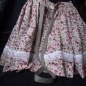 Gyönyörű kislány néptáncos szoknya, csipke díszítéssel, Ruha, divat, cipő, Gyerekruha, Gyerek (4-10 év), Varrás, Kislány néptáncos szoknya. Anyaga virágmintás pamutvászon. A  szín választható, a képeken láthatók ..., Meska