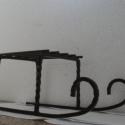 Kovácsoltvas mikulásvirágtartó, Dekoráció, Otthon, lakberendezés, Tárolóeszköz, Kaspó, virágtartó, váza, korsó, cserép, Kovácsoltvas,   Kovácsoltvas mikulásvirágtartó, 45 cm hosszú, 22 cm széles, 19 cm magas.  A tartófelület 18 x 24 ..., Meska