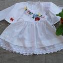 Kézzel hímzett lányka ruha boleróval, Baba-mama-gyerek, Ruha, divat, cipő, Magyar motívumokkal, Gyerekruha, Hímzés, Varrás, Kézzel hímzett lányka ruha, kétoldalt fűzővel szabályozható a bősége.74-128 méretig készítem., Meska