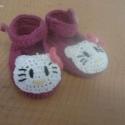 hello kitty kiscipő horgolva, Baba-mama-gyerek, Ruha, divat, cipő, Cipő, papucs, Horgolás, hello kitty kiscipő várja uj kisgazdáját 11 cm-es kislábacskára.horgolt meleg puha édes tipegő,akry..., Meska