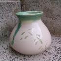 kerámia váza, Dekoráció, Otthon, lakberendezés, Festett tárgyak, Kerámia, Korongozott kerámia váza, bambuszmintás díszítéssel. Kb 6 dl űrtartalmú, Meska