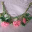 Tavaszi horgolt virág nyaklánc, Ékszer, óra, Nyaklánc, Horgolás, Egy igazán friss és vidám nyaklánc a tavasz kezdetére. Puha pamut fonalból horgoltam ezt a nyaklánc..., Meska