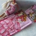 Barbie baba ágynemű garnitúra + hálóing!, Játék, Baba-mama-gyerek, Baba, babaház, Gyerekszoba, Varrás, Szeretettel köszöntelek!  Barbie babának készítettem egyedi hercegnő-pillangó mintás ágynemű garnit..., Meska