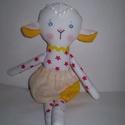 Gyömbér bárányka, Baba-mama-gyerek, Játék, Játékfigura, Plüssállat, rongyjáték, Baba-és bábkészítés, Varrás, Egyedi, kézzel és géppel varrt bárány. Igazi hurcolhatós, játszó és alvótárs. Arca hímzett, haja cs..., Meska