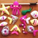 Mágneses filc horgászjáték, 13 darabos készlet; Rózsaszín, sárga, szürke, magenta, fehér, Játék, Készségfejlesztő játék, Játékfigura, Varrás, Mágneses, barkács filc horgász-szett, most kimondottan lányos színekben. A figurák vatelinnel tömöt..., Meska