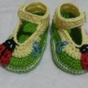 Horgolt Baba cipő , Baba-mama-gyerek, Ruha, divat, cipő, Baba-mama kellék, Cipő, papucs, Horgolás,  .horgolt  baba cipő.Alkalmas babakocsi cipőnek, fotózáshoz.Talpméret 9 cm.kisebb-nagyobb méretben r..., Meska