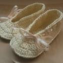 Horgolt Baba cipő, Baba-mama-gyerek, Ruha, divat, cipő, Baba-mama kellék, Cipő, papucs, Horgolás,  Horgolt babacipő.Alkalmas babakocsi cipőnek, fotózáshoz.Talpméret 11,5cm.100%pamut fonalból készül..., Meska