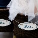 Mr   Mrs tábla esküvőre, Esküvő, Esküvői dekoráció, Nászajándék, Fémmegmunkálás, Festett tárgyak, Préselt alumínium lemezből készült esküvő dekorációs tábla (2db). Több rétegű akril festés után szi..., Meska