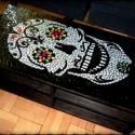 REKREDENC - Virágzó koponya dohányzó asztal, Bútor, Otthon, lakberendezés, Asztal, Mozaik, Mozaik dohányzóasztalok virágos koponya dekorációval.  A képen látható asztalok megrendelésre készü..., Meska