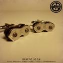 recyclock  - mandzsetta újrahasznosított kerékpár láncból, Ékszer, óra, Férfiaknak, Ruha, divat, cipő, Újrahasznosított alapanyagból készült termékek, Ötvös, Kerékpár láncból készült mandzsetta, egyedi kerékpárbelsővel bélelt dobozban.     még több mandzset..., Meska