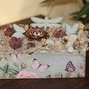Asztaldísz, vidám lepkékkel és szitakötővel. :-), Dekoráció, Mindenmás, Otthon, lakberendezés, Tárolóeszköz, Decoupage, szalvétatechnika, Virágkötés, Asztaldísz, mely mindig jókedvre hangol. :-)  Kékbe és virágokba öltöztettem a festett és dekopázso..., Meska