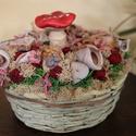 Piros és bolondos... gomba asztaldísz. :-), Otthon, lakberendezés, Dekoráció, Mindenmás, Virágkötés, Kedves dekoráció otthonodba, a teraszra vagy a kertbe. :-) Fa kosárkát festettem, majd tűzőhab alap..., Meska