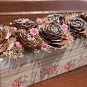 Romantikus asztaldísz, a Vintage jegyében. :-), Dekoráció, Otthon, lakberendezés, Decoupage, szalvétatechnika, Virágkötés, Rózsás, romantikus asztaldísz, pasztell, visszafogott színekkel.  Fa dobozt festettem, dekopázsolta..., Meska