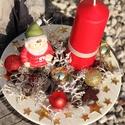 Karácsonyi asztaldísz, kisfiúval. :-), Dekoráció, Karácsonyi, adventi apróságok, Ünnepi dekoráció, Karácsonyi dekoráció, Virágkötés, Asztaldísz a Karácsony színeivel.  Díszítsd vele otthonod, vagy ajándékozd valakinek, akit szeretsz..., Meska