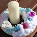 Asztaldísz hópelyhekkel és hógolyókkal. :-), Dekoráció, Karácsonyi, adventi apróságok, Ünnepi dekoráció, Karácsonyi dekoráció, Virágkötés, Karácsonyi asztaldísz, vidám otthonokba, letisztult színekkel. Díszítsd vele a nappalit vagy ajándé..., Meska
