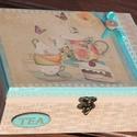 Vintage tea doboz, csészékkel.  :-), Konyhafelszerelés, Decoupage, szalvétatechnika, Festett tárgyak, Kedves teás doboz, türkiz kiegészítőkkel. :-) A fa dobozt bézs színnel festettem, kétféle szalvétáv..., Meska
