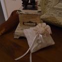 Csipkés gyűrűpárna, Dekoráció, Ruha, divat, cipő, Ünnepi dekoráció, Esküvői ruha, Varrás, 13x13 cm-es csipkével borított gyűrűpárna, Meska