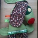 Dodó kutya textil játék - apró kezekbe való, Játék, Karácsonyi, adventi apróságok, Plüssállat, rongyjáték, Játékfigura, Varrás, Gyerekek könnyen kezükbe foghatják Dodó  kutya hosszú füleit.  Húzhatják vonhatják-igazi jó barát. ..., Meska