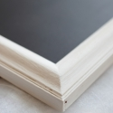 Fehér keretes  kréta tábla, Dekoráció, Otthon, lakberendezés, Festett tárgyak, 35x29cm-es speciális táblafestékkel festett üzenőtábla, melyre krétával lehet írni. A keret 3cm szél..., Meska