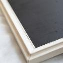 Fehér keretes, romantikus kréta tábla, Dekoráció, Otthon, lakberendezés, Festett tárgyak, 33x40-es speciális táblafestékkel festett üzenőtábla, melyre krétával lehet írni. A keret  vintage s..., Meska