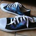 Univerzum mintájú tornacipő , Ruha, divat, cipő, Cipő, papucs, Férfi ruha, Festészet, Járj két lábbal a galaxisban! Kézzel festett, univerzum-mintájú tornacipő, 40-es méretben. Más mére..., Meska