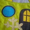 Házikós falvédő - hasonló rendelhető, Gyerekszoba, Falvédő, takaró, Falvédő, Patchwork, foltvarrás, Színes és mintás pamutvásznakból készült ez a falikép.  Applikációs technikával kerültek rá a figu..., Meska