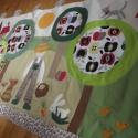 Kertes-almafás falikép, Baba-mama-gyerek, Gyerekszoba, Falvédő, takaró, Falvédő, Patchwork, foltvarrás, Színes és mintás pamutvásznakból készült ez a falikép, melyet magam terveztem. Applikációs techniká..., Meska