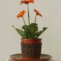 Barna színű horgolt cserépcsipke, Dekoráció, Otthon, lakberendezés, Dísz, Kaspó, virágtartó, váza, korsó, cserép, Horgolás, Kézzel horgolt csipke dísz 12 cm átmérőjű cserépre. A csipke szélessége 7 cm. A virág és a cserép t..., Meska