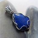 Lápisz lazuli ezüst medál, Ékszer, óra, Medál, Nyaklánc, Ékszerkészítés, Fémmegmunkálás, Medál egy szép, csepp alakú lápisz kabosonból, fonott Sterling ezüst foglalatban. Egyedi darab.  Mé..., Meska