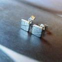 Leveles ezüst mini bedugós fülbevaló, Ékszer, óra, Fülbevaló, Ékszerkészítés, Ötvös, Levél lenyomattal készült bedugós fülbevaló. Anyaga Sterling ezüst.   Méret: a lapka kb 6x6 mm.   M..., Meska