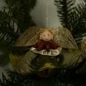 Zöld szoknyás, ánizs galléros baba, Dekoráció, Karácsonyi, adventi apróságok, Karácsonyfadísz, Ajándékkísérő, képeslap, Varrás, Mindenmás, Karácsonyfára akasztható mutatós dísz. Ajándékkísérőnek is nagyon mutatós vagy cserepes virágra is ..., Meska