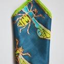 Bogaras férfi selyem díszzsebkendő öltönyhöz, Férfiaknak, Ruha, divat, cipő, Kendő, sál, sapka, kesztyű, Férfi ruha, Selyemfestés, A Bugs kollekció legújabb darabja már férfiak számára is elérhető. Acélszürke alapon vibráló rovaro..., Meska