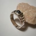 Férfi pecsétgyűrű, Ékszer, óra, Férfiaknak, Gyűrű, Ékszerkészítés, Ötvös, Öntési technikával készült a gyűrű.Egy hematit színű Swarovski. követ tettem a gyűrűbe.Mérete 61-es..., Meska
