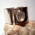 Holdköves ezüst gyűrű, Ékszer, óra, Gyűrű, Ékszerkészítés, Ötvös, 12mm széles 60-as méretű a gyűrű, a szivárvány holdkő 5x7mm-es.Nyitott a gyűrű,mérete állítható.Fén..., Meska
