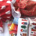 Mikulászsák vagy kis karácsonyi csomagolózsák családi használatra, Otthon, lakberendezés, Karácsonyi, adventi apróságok, Ajándékzsák, Tárolóeszköz, Varrás, Karácsonykor éveken keresztül bokáig gázoltunk a csomagolópapírban. Megelégeltem. Tavaly nekidurált..., Meska