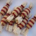 Textil szaloncukor, Dekoráció, Karácsonyi, adventi apróságok, Karácsonyfadísz, Karácsonyi dekoráció, Varrás, Csíkos vászonból varrtam, csipkével díszítettem és vatelinnel tömtem ezeket a szaloncukrokat.Díszít..., Meska