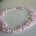 Roppantott kristály nyakék, Ékszer, óra, Nyaklánc, Ékszerkészítés, Roppantott kristályból készült ez a rózsaszín csillogó nyakék. Szabályos, azonos méretű , simára cs..., Meska