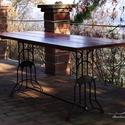 Asztal varrógéplábakon, Bútor, Dekoráció, Otthon, lakberendezés, Asztal, Famegmunkálás, Fémmegmunkálás, Ha szeretnéd íróasztal, ha szeretnéd étkezőasztal... mi meg csak szeretjük, így ahogy van <3 Régi v..., Meska