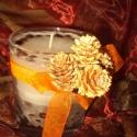 Kávészemes üvegpoharas gyertya, Dekoráció, Otthon, lakberendezés, Ünnepi dekoráció, Gyertya, mécses, gyertyatartó, Gyertya-, mécseskészítés, Kívülről az üvegpoharat narancssárga szalaggal, tobozzal és kávészemekkel ékesítettem. Magába a gye..., Meska