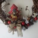 Karácsonyi ajtódísz, Dekoráció, Karácsonyi, adventi apróságok, Ünnepi dekoráció, Karácsonyi dekoráció, Virágkötés, Vessző ajtódísz, textil karácsonyfával(pöttyös vagy kockás karácsonyfával kérhető), hintalóval, ter..., Meska