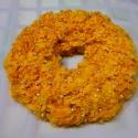 Narancssárga gyöngyös koszorú, Dekoráció, Karácsonyi, adventi apróságok, Karácsonyi dekoráció, Ünnepi dekoráció, Papírművészet, Virágkötés, Különleges narancssárga gyöngyös koszorú. Egyedi, modern dísze lehet az otthonodnak vagy ajándéknak..., Meska