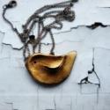 Antikolt madaras nyaklánc, Ékszer, óra, Ruha, divat, cipő, Nyaklánc, Ékszerkészítés, Mindenmás, A madárkát levegőre száradó gyurmából készítettem,amit bronzporral és akrilfestékkel patináztam, ma..., Meska